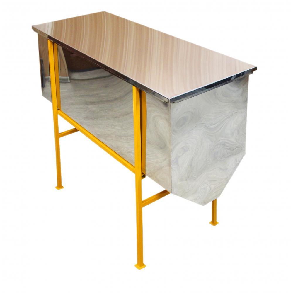 Столы для распечатывания сотовых рамок